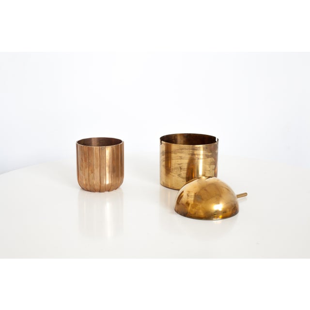 "Stelton Cylinda-Line Brass Ashtray by Arne Jacobsen X Stelton With Brass ""Vendor"" Vase For Sale - Image 4 of 8"