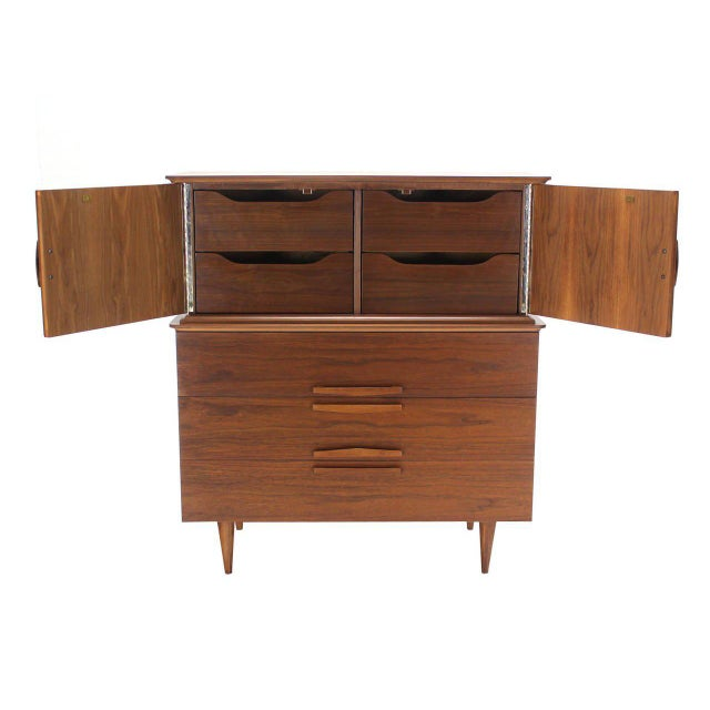 Early 20th Century Sculptural Carved Pulls Walnut Multi Drawer Gentelmen's High Chest For Sale - Image 5 of 8