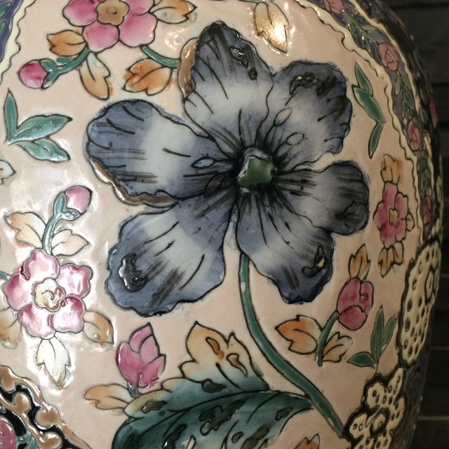 1980s Vintage Ceramic Chinoiserie Floral Lamp For Sale - Image 5 of 9
