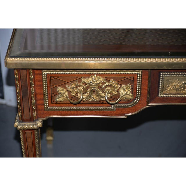 19th C. French Louis XVI Style Mahogany Bureau Plat W/ Trelliswork Marquetry For Sale - Image 4 of 13