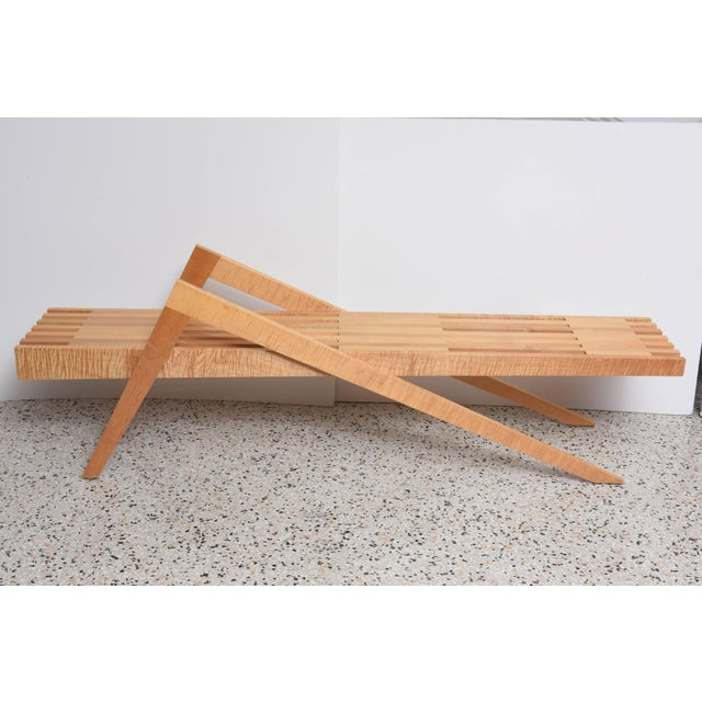 This amazing bench in tiger-maple was created by the American architect Marc Phiffer in the late 20th century. With its...