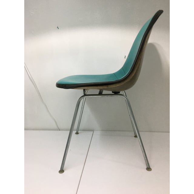 Herman Miller Vintage Molded Side Chair in Turquoise Naugahyde by Charles Eames for Herman Miller For Sale - Image 4 of 13