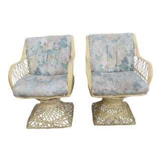 Mid Century Modern Indoor Patio Outdoor Spun Fiberglass Pair of Side Chairs For Sale
