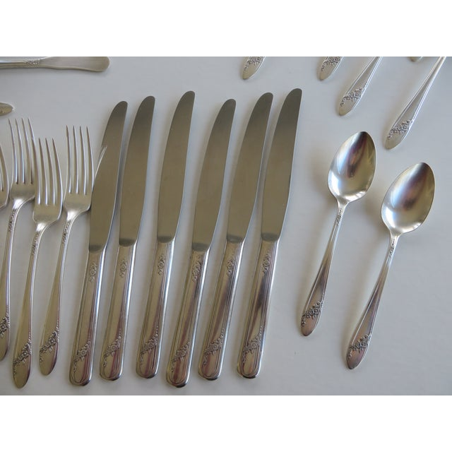 Traditional 1946 Vintage Queen Bess Pattern Tudor Plate Oneida Community Flatware - Set of 63 For Sale - Image 3 of 12