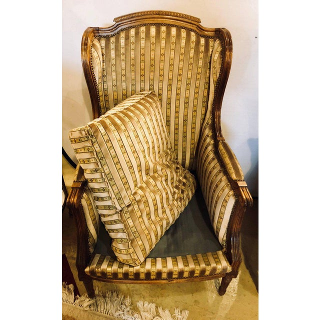 Fabric Louis XVI Living Room Suite Couch and Two Lounge Chairs - Set of 3 For Sale - Image 7 of 14