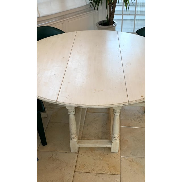 1990s Shabby Chic Natural Wood Round Dinning Table For Sale - Image 4 of 9
