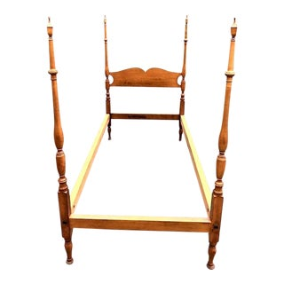 1930s Early American Maple Twin Size Bedframe by Wallace Nutting For Sale