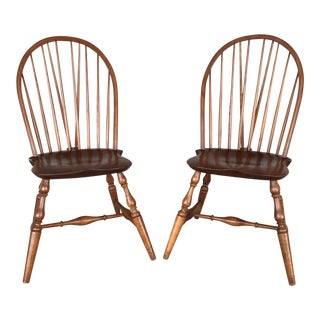 1960s British Colonial Kittenger Williamsburg Hoop Back Windsor Side Chairs - a Pair