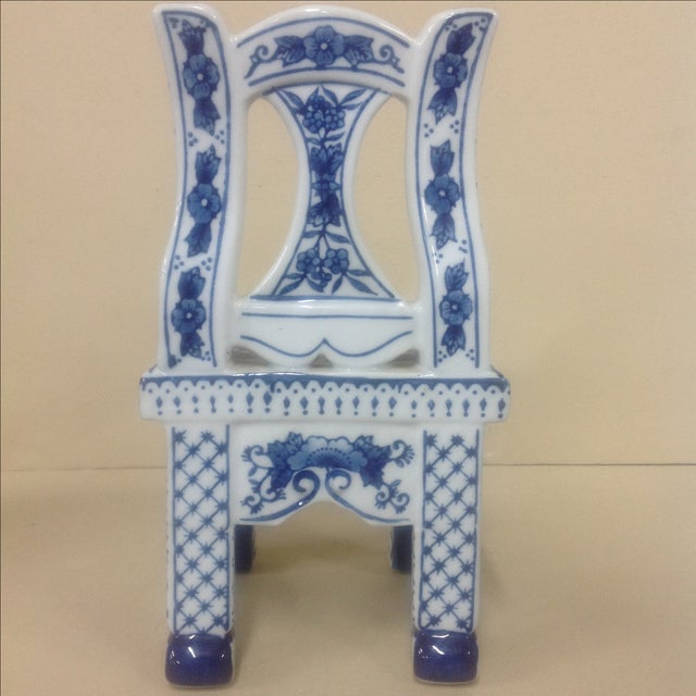 Mid 20th Century Chinese Porcelain Blue & White Chair Plant Stand For Sale - Image 5 of 6