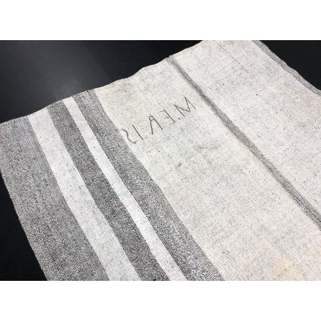 1960s Vintage Natural Wool Turkish Handwoven Anatolian Aztec Floor Rug- 5′4″ × 8′2″ For Sale - Image 10 of 11
