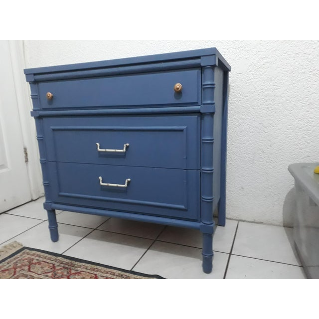1970s Hollywood Regency Faux Bamboo Painted Chest For Sale In San Diego - Image 6 of 9
