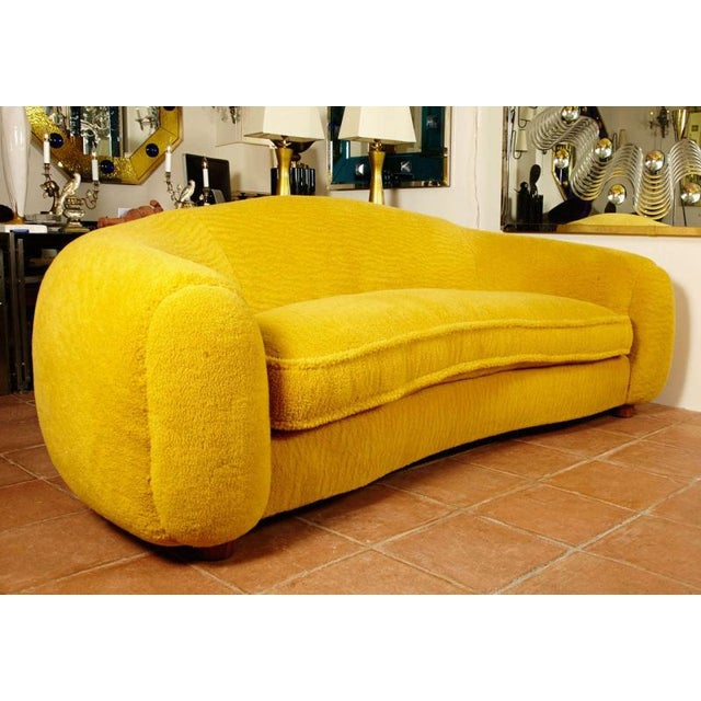 """Jean Royère Jean Royère Genuine Iconic """"Ours Polaire"""" Couch in Yellow Wool Faux Fur For Sale - Image 4 of 11"""