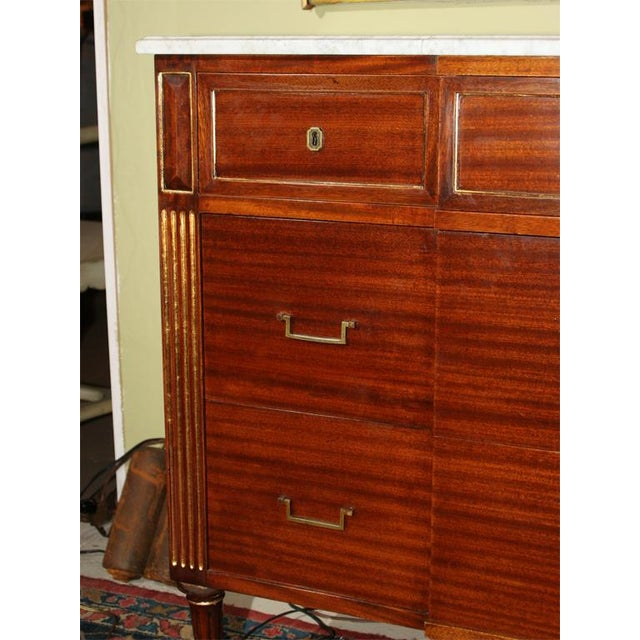 Louis XVI Style Jansen Mahogany Commode For Sale - Image 4 of 9