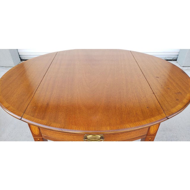 1950s Mid-Century Modern Biggs Mahogany Pembroke Drop Leaf Side Table For Sale - Image 9 of 13