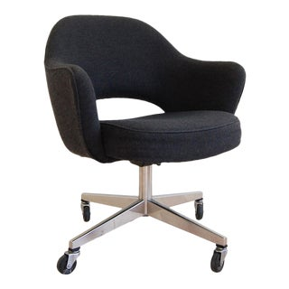 1980s Mid Century Modern Eero Saarinen for Knoll Executive Armchair With Swivel Base