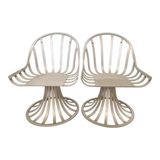 Mid-Century Russell Woodard Slat Extruded Tulip Base Aluminum Chairs - a Pair For Sale
