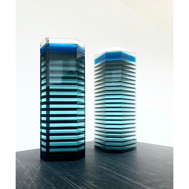 """Glass 1980s Patrick Curran Art Glass Sculptures, """"Linear Towers"""" - a Pair For Sale - Image 7 of 7"""