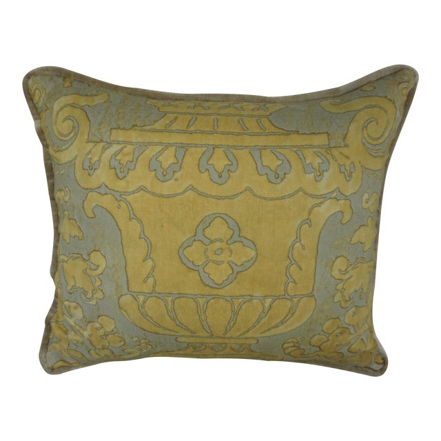 Single Fortuny Accent Pillow W/ Urn For Sale
