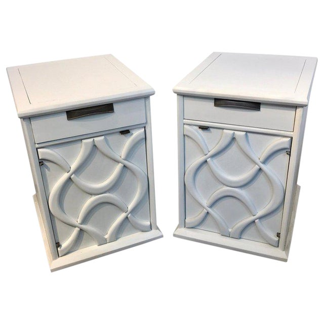 Pair of Moderage Sculptural Parzinger White Lacquered King Size Nightstands For Sale