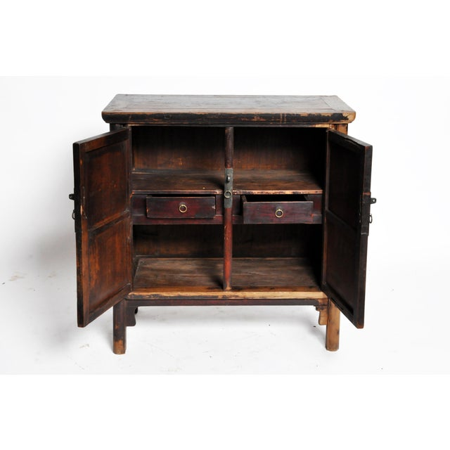 17th Century Qing Dynasty Round Post Chest With Two Drawers and Original Patina For Sale In Chicago - Image 6 of 13