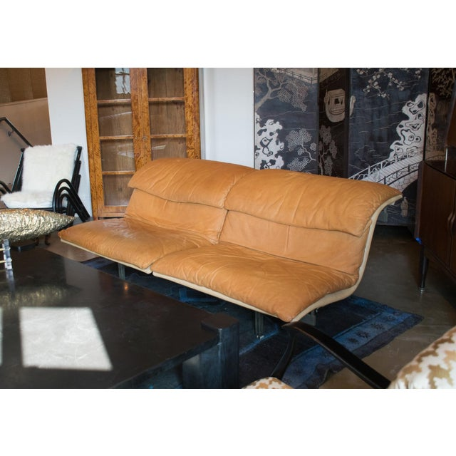 Modern Giovanni Offredi 'Wave' Leather Sofa by Saporiti, Italy For Sale - Image 3 of 8