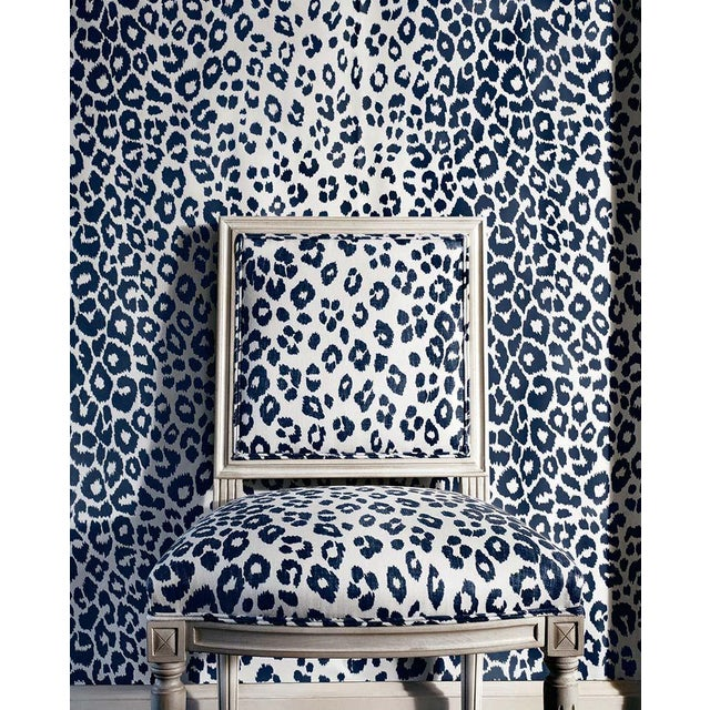 2010s Schumacher Iconic Leopard Pattern Animal Print Wallpaper in Ink Blue - 2-Roll Set (9 Yards) For Sale - Image 5 of 7
