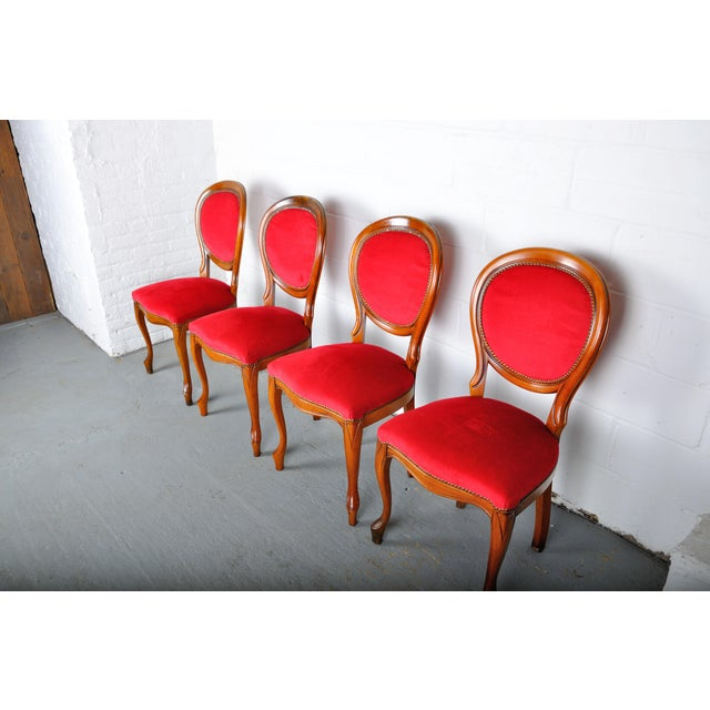 Vintage Set of 4 French Louis XV Maple Dining Chairs W/ Red Velvet Upholstery For Sale - Image 4 of 11