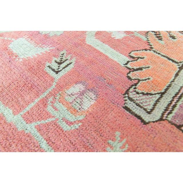 Textile Vintage 1920s Samarkand Khotan Salmon Mint Floral Vases Handwoven Wool Rug - 4′10″ × 8′ For Sale - Image 7 of 11