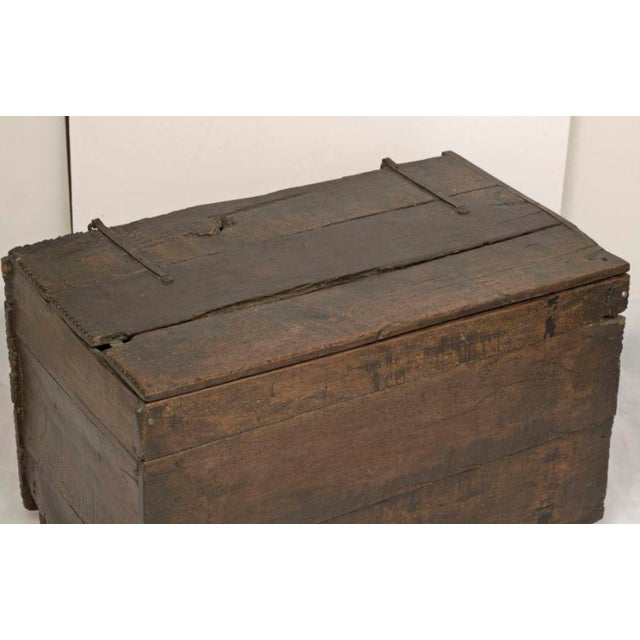 Rustic Early 18th Century Large Rustic Oak Coffer Trunk For Sale - Image 3 of 3
