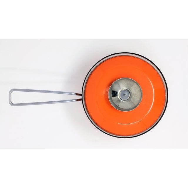 Mid-Century Modern 1960s Vintage Grete Prytz Kittelsen for Cathrineholm Enamel Lotus Saucepan For Sale - Image 3 of 12
