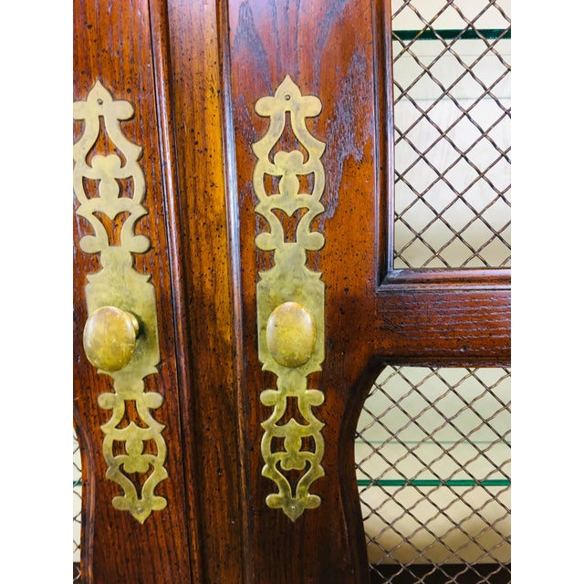 1950's Oak Bombay Style China Cabinet For Sale In Philadelphia - Image 6 of 11