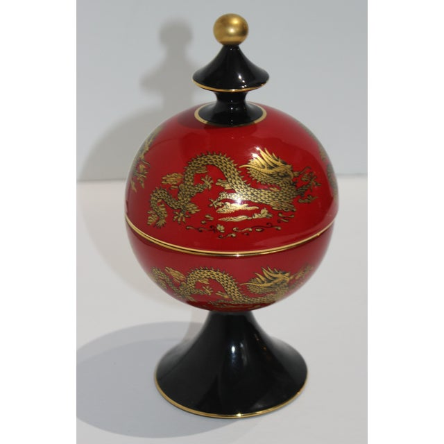 1960s Mid-Cnntury Chinese Emperor Dragon Motif Red Footed Round Box From Heygill Italy For Sale - Image 5 of 9