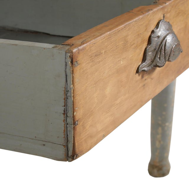 Early 20th Century American Farm Table For Sale - Image 10 of 11