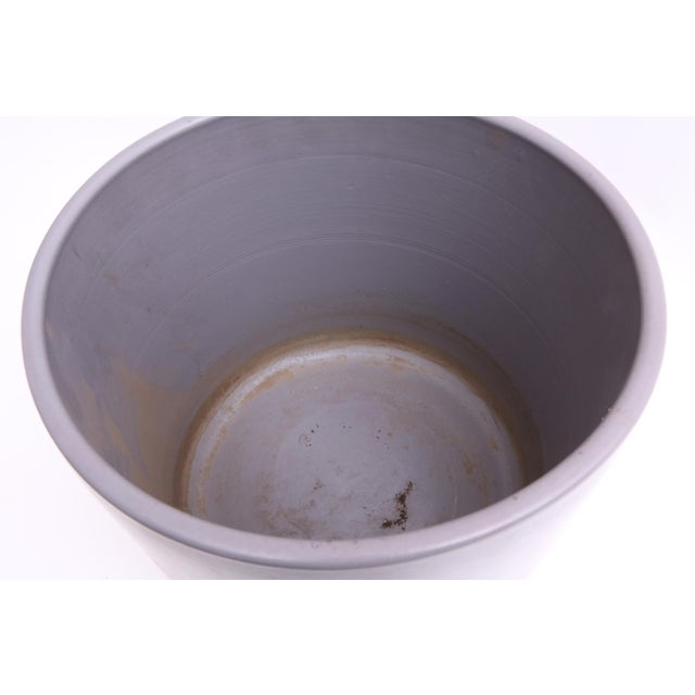 Gainey Ceramics Mid Century Modern Large Gray Planter For Sale In Los Angeles - Image 6 of 6