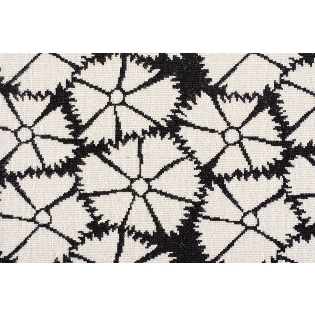 """Made of 100% wool. The pattern repeat is W:14 1/4"""" X L:12 1/2""""."""