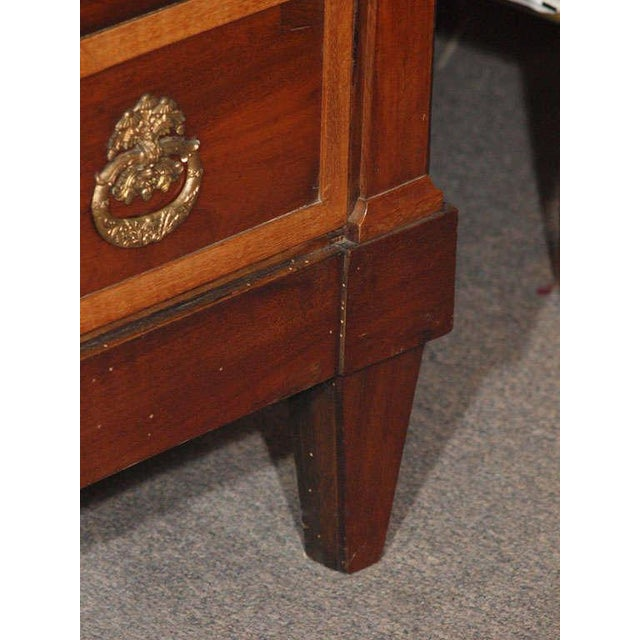 Antique French Directoire mahogany marble top commode. For Sale - Image 4 of 9