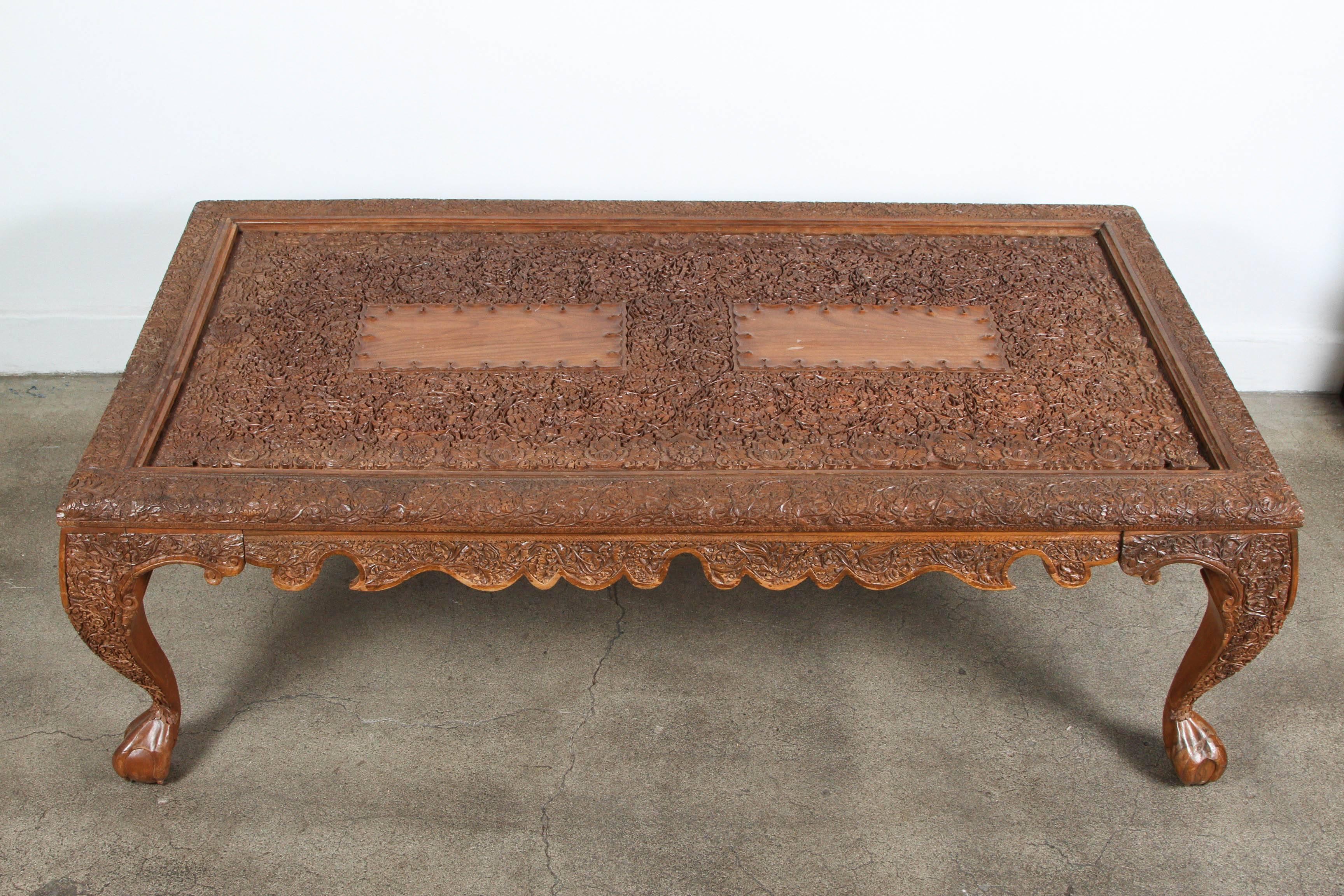 Superbe Fabulous Anglo Indian Coffee Table, Great Quality And Very Fine Hand Carved  Wood.