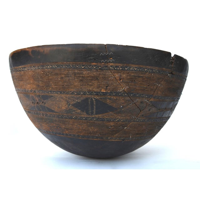 Brown Antique Large Tuareg Tribal Wood Bowl For Sale - Image 8 of 8