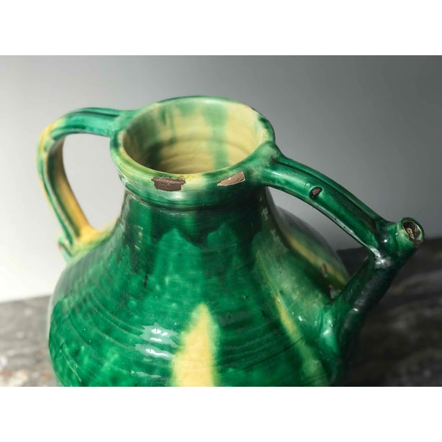 Late 19th Century Green Glazed Pot With Yellow Accents From England For Sale - Image 4 of 5
