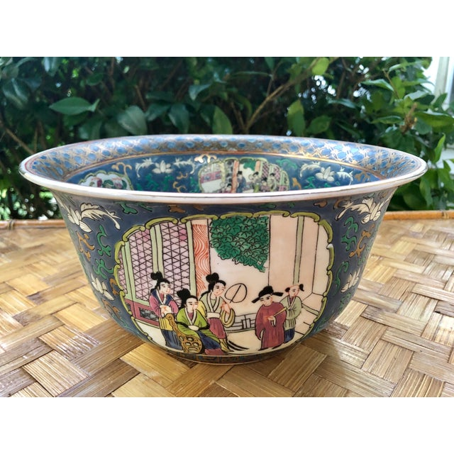 Asian 20th Century Chinese Hand Painted and Gilt Rose Medallion Bowl in Blue For Sale - Image 3 of 13