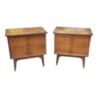 """Pair 1960s Mid Century Bassett Furniture """"Mayan"""" Walnut Bedroom Night Table Stands For Sale"""
