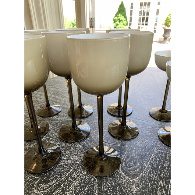1980s Set of 16 Carlo Moretti Cased Wine and Coupes For Sale - Image 5 of 6