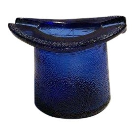 1930s Vintage Art Deco Cobalt Blue Glass Top Hat Ashtray For Sale