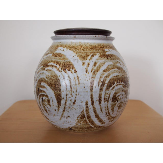 -Beautiful work by renowned California modern ceramic artist Victoria Littlejohn -- cookie jar with walnut wood lid (lined...