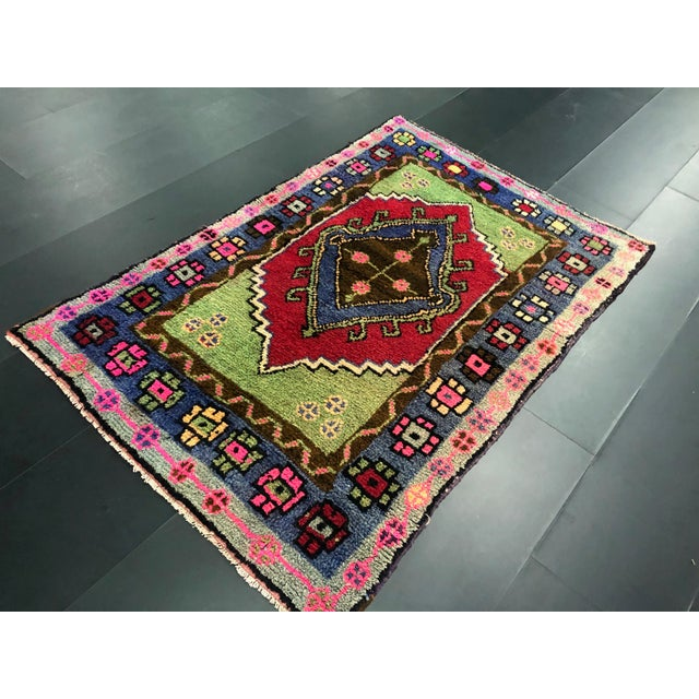 1960s Traditional Anatolian Aztec Antique Blue Green Pink and Red Turkish Oushak Rug For Sale - Image 5 of 12