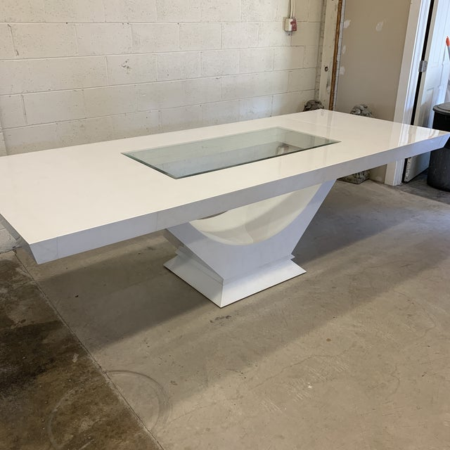 White Contemporary High Gloss Lacquer Dining Table Extends For Sale - Image 8 of 12