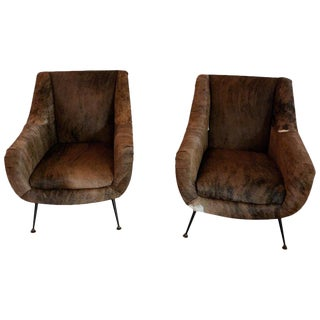 Italian Mid-Century Modern Club Chairs Covered in Cowhide - a Pair For Sale