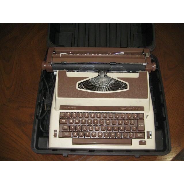 Vintage Royal Cavalier 1000 Electric Typewriter - Image 3 of 7