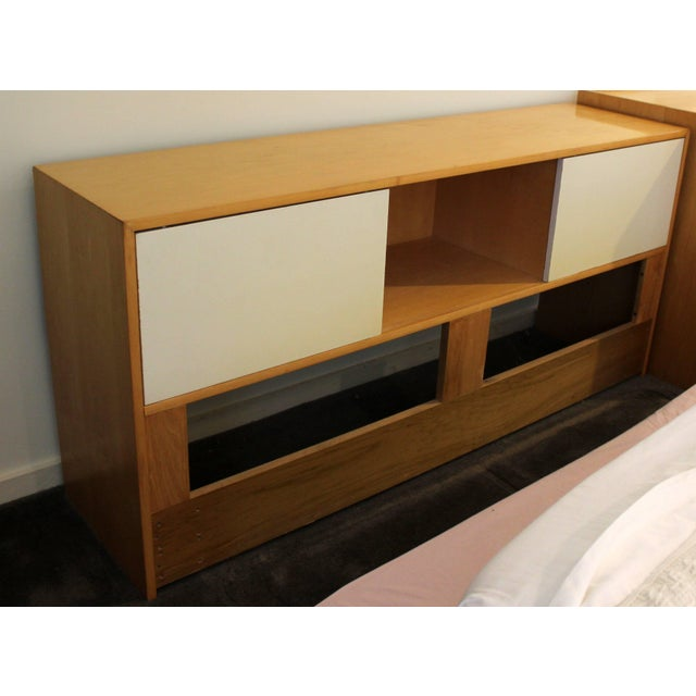 Jack Cartwright Mid-Century Modern Jack Cartwright for Founders Maple Queen Headboard Storage For Sale - Image 4 of 6