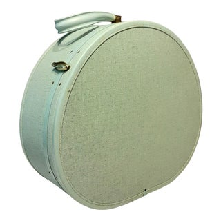 Vintage Mid-Century Samsonite Round Suitcase/Hat Box For Sale